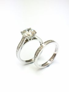 Platinum engagement ring and wedding ring 2 carats