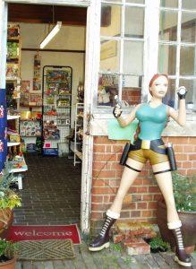 Shop Front Lara 219x300